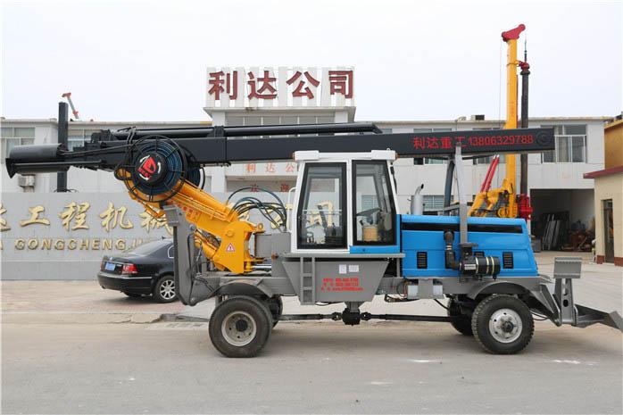 LD-180°轮式旋挖钻机整车车间下线图片