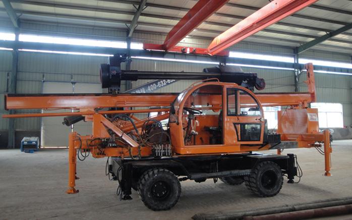 LD-360°轮式夯桩机新品下线图片