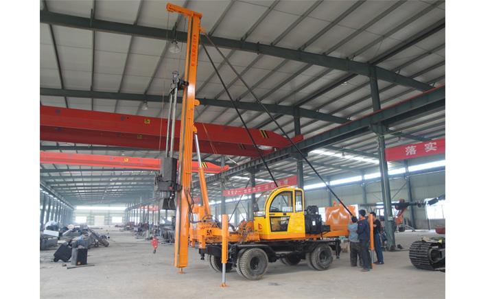 LD-360°轮式夯桩机客户试机图片